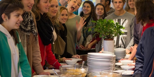 Food Without Aggression - a vegan brunch for Peace Day.