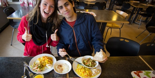 Astrid (Norway) and Carlos (El Salvador) about to start on their vegan brunch. It looks good!