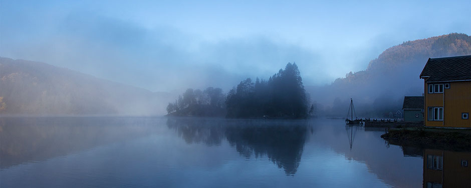 The fjord in the early morning between the student village and the classrooms