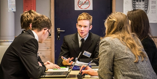 MUN. Committee meetings: the negotiations continue