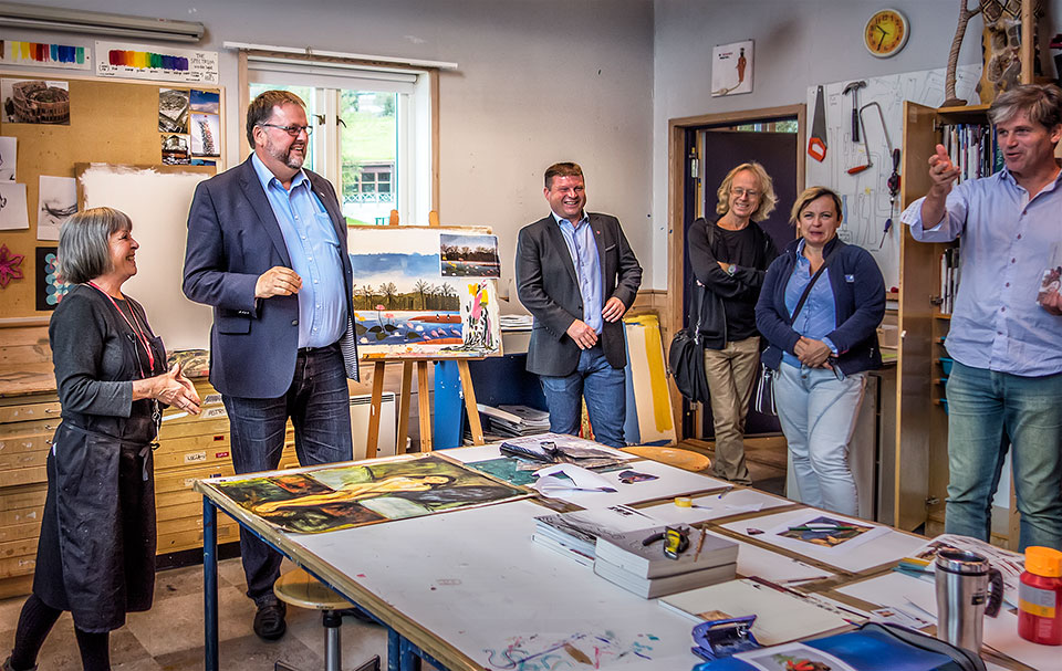 Svein Harberg in the Artroom during his visit to the College