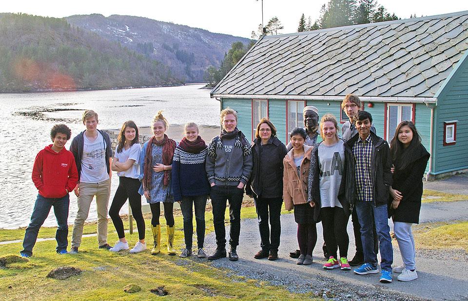 Students and Natur og Ungdom visitors