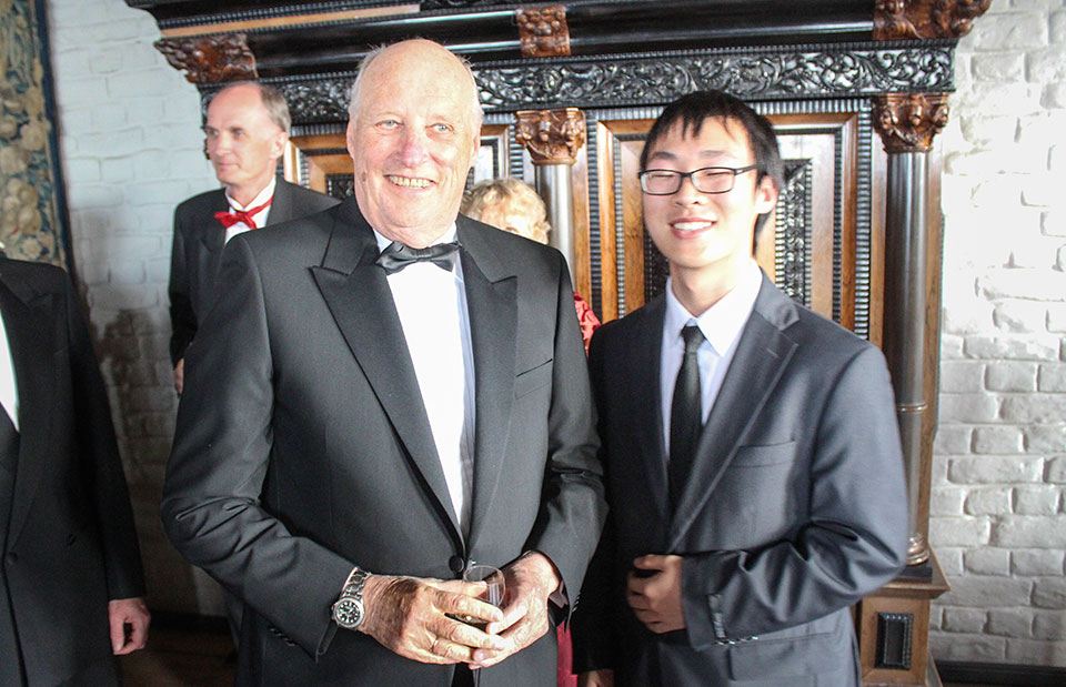 King Harald V with Muxuan Yan