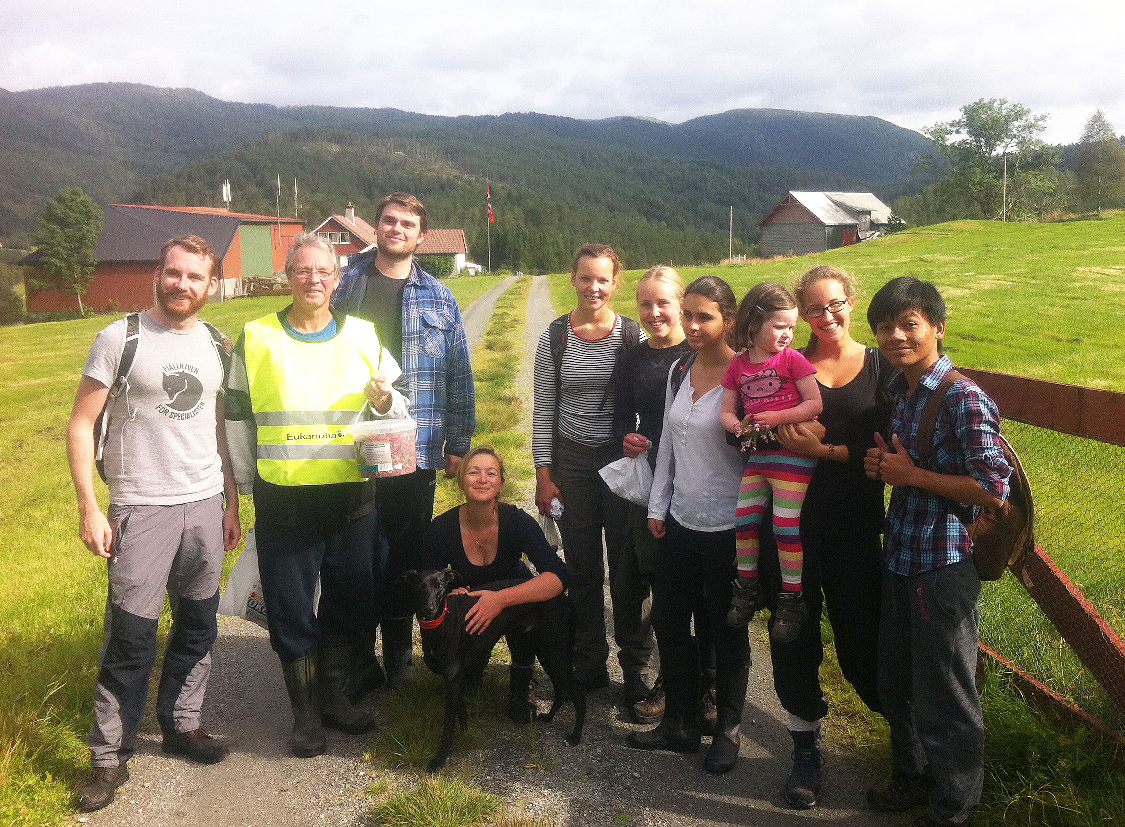 Some of the students and staff on this years postal walk (postveitrimmen)
