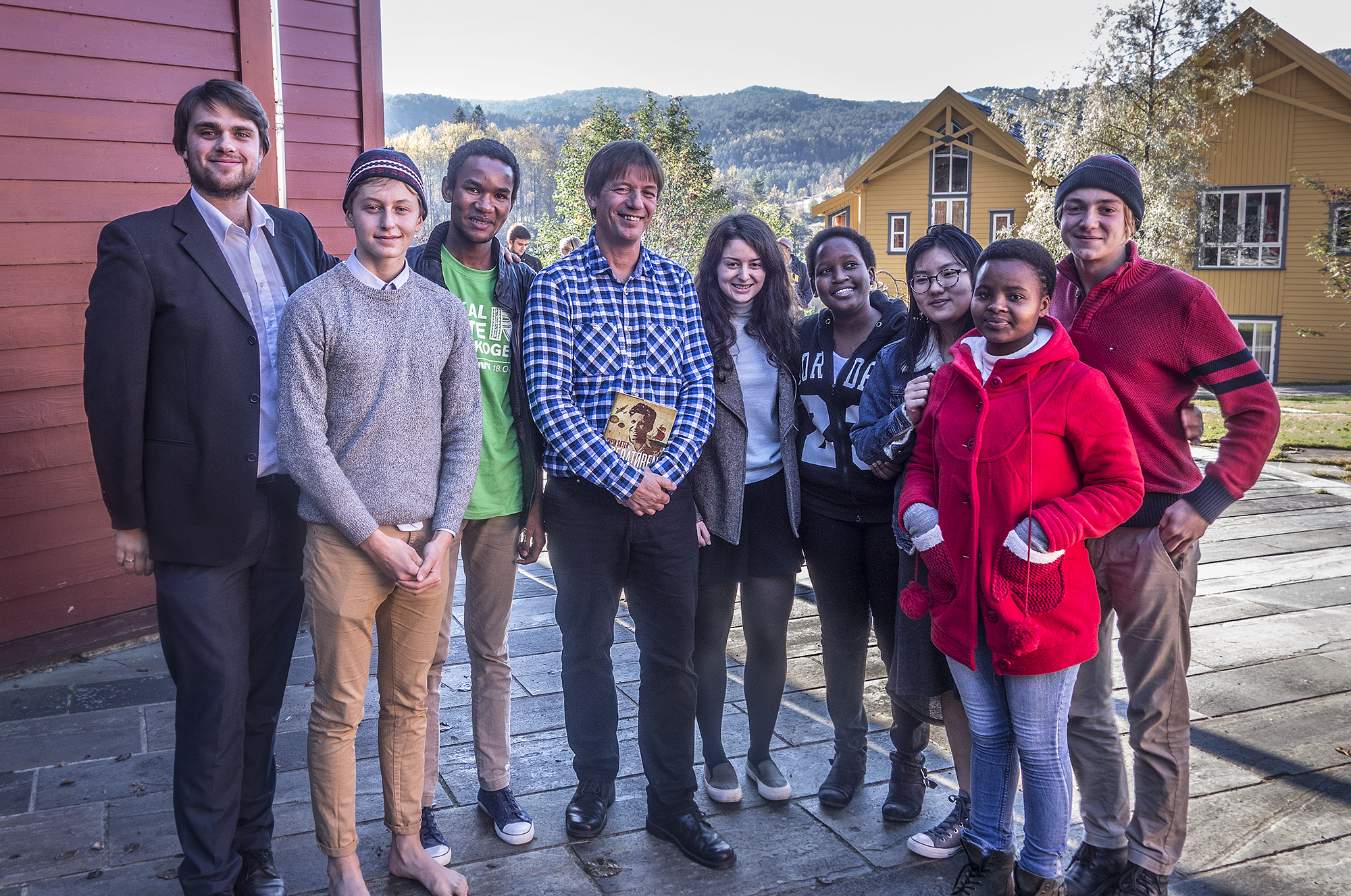 Svein Sæter (fourth from left) with students and staff