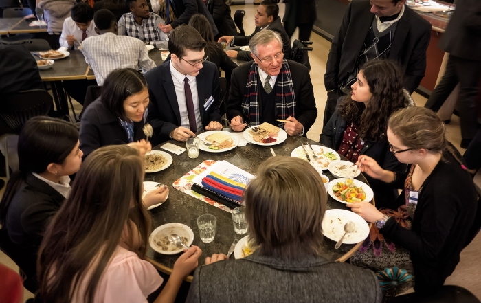 Hans von Sponeck at dinner with the students
